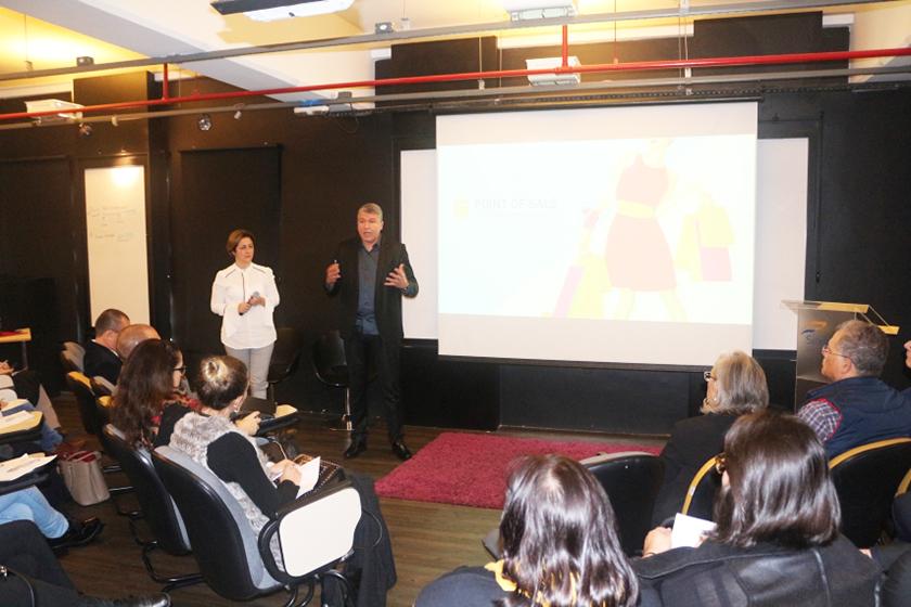9eefa0387 A edição de junho do evento Café com Lojistas, realizada pelo Sindilojas  Porto Alegre, contou com a presença especialistas em varejo que estiveram  na ...