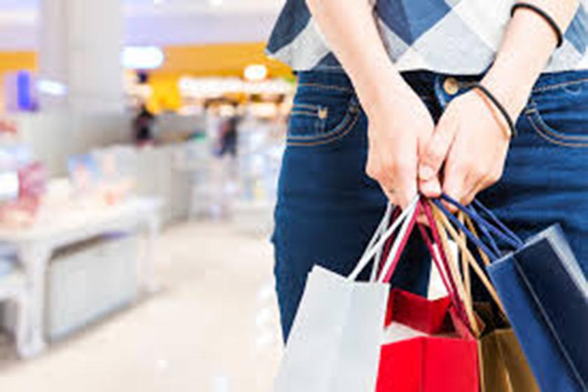 8642f48d2 Com 19% da preferência, roupas, calçados e acessórios são os produtos que o  consumidor mais compra por impulso. Conforme pesquisa feita pela CNDL e  SCPC em ...